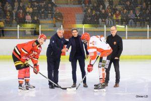 Engagement du match de championnat MEUDON vs AMNEVILLE, effectué par Denis Larghero, Maire de Meudon et Luc Tardif, président de la fédération française de hockey sur glace